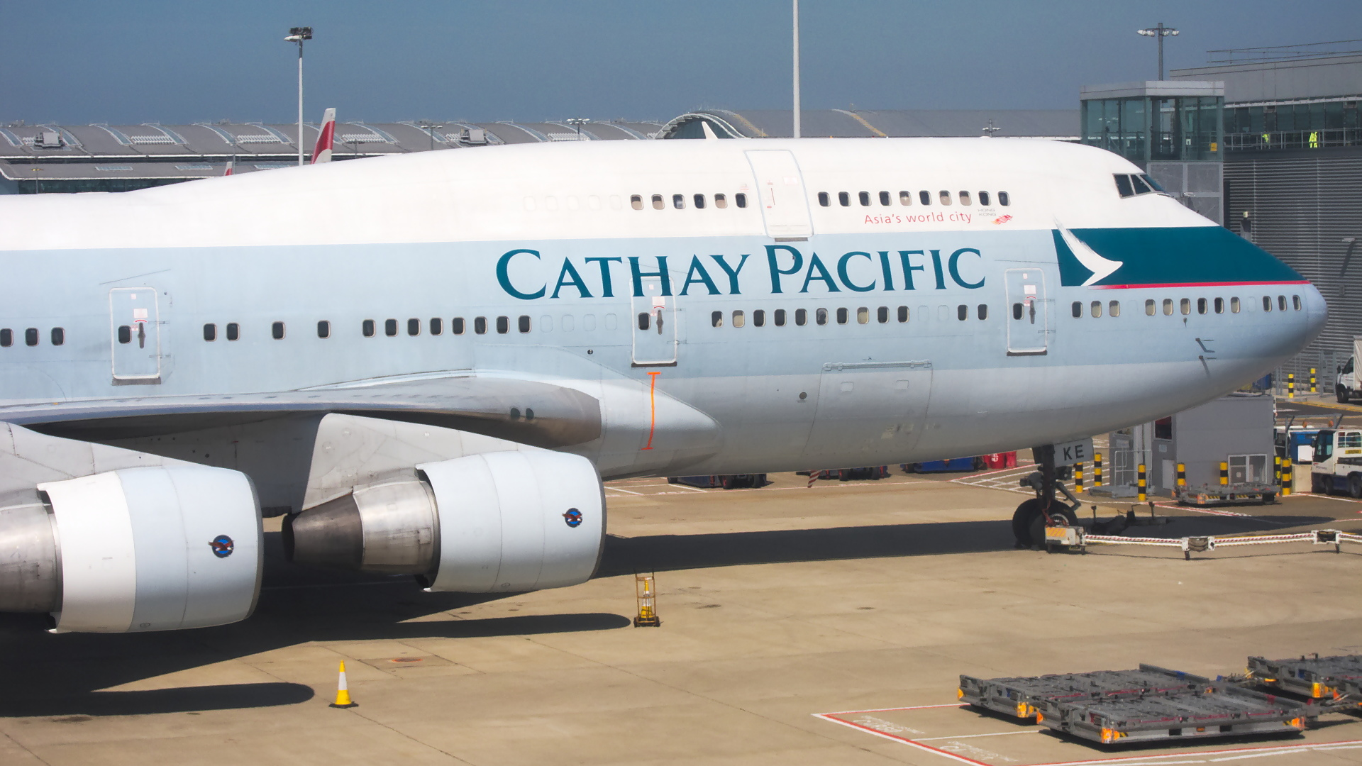 B-HKE ✈ Cathay Pacific Boeing 747-412 @ London-Heathrow