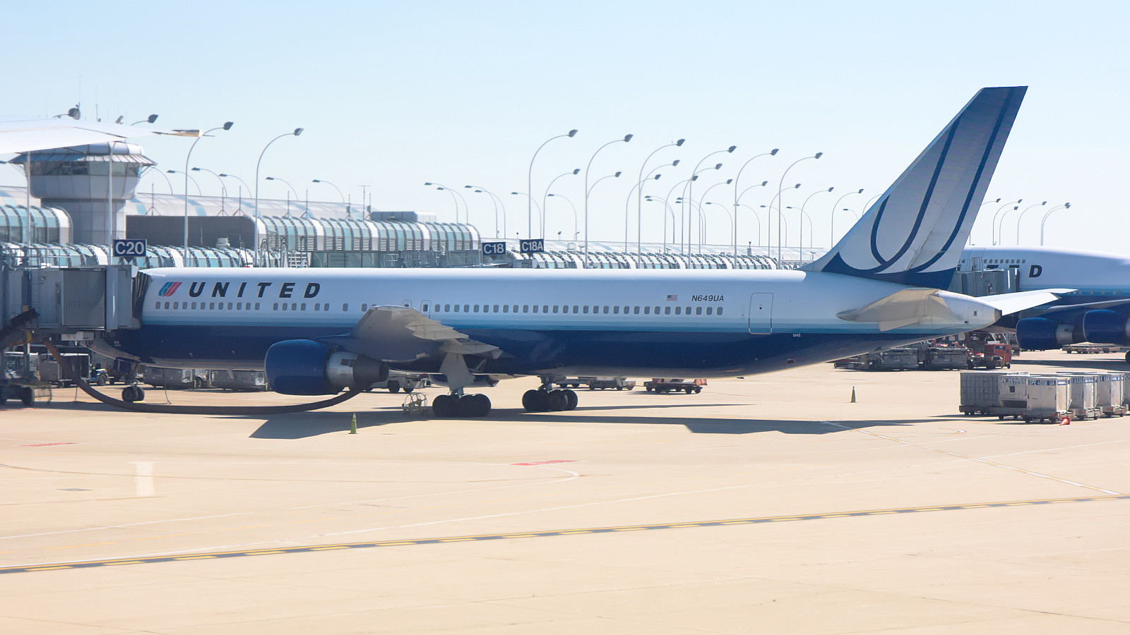 N649UA ✈ United Airlines Boeing 767-322ER @ Chicago-O'Hare
