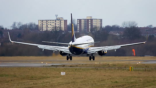 EI-EFM ✈ Ryanair Boeing 737-8AS