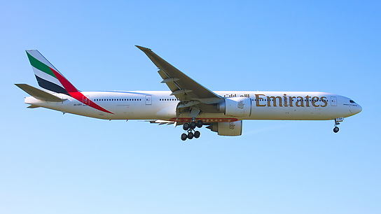 A6-EBV ✈ Emirates Airline Boeing 777-31HER