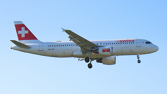 HB-IJH ✈ Swiss International Air Lines Airbus A320-214