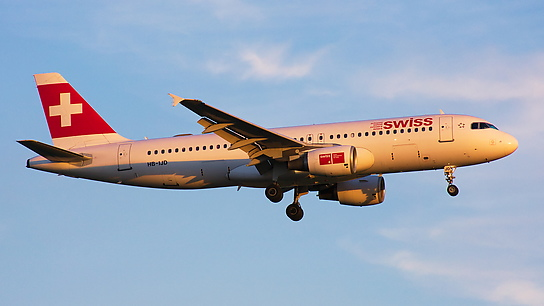 HB-IJD ✈ Swiss International Air Lines Airbus A320-214