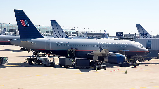 N834UA ✈ United Airlines Airbus A319-131