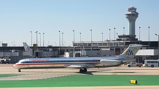N485AA ✈ American Airlines McDonnell Douglas MD-82