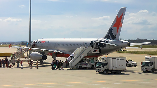 VH-VQL ✈ Jetstar Airways Airbus A320-232