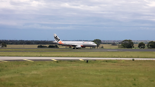 VH-VQI ✈ Jetstar Airways Airbus A320-323