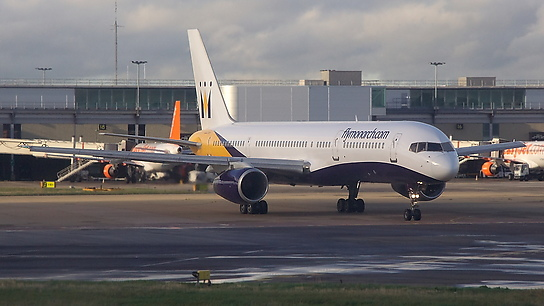 G-MONK ✈ Monarch Airlines Boeing 757-2T7