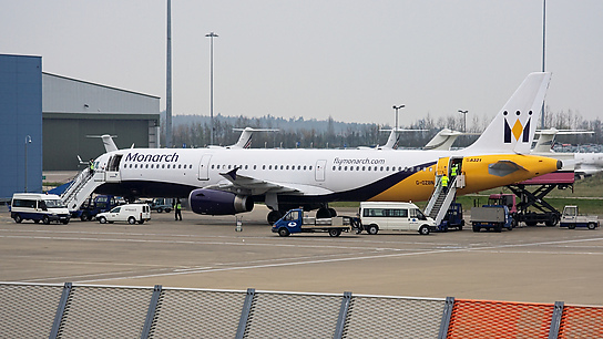 G-OZBN ✈ Monarch Airlines Airbus A321-231
